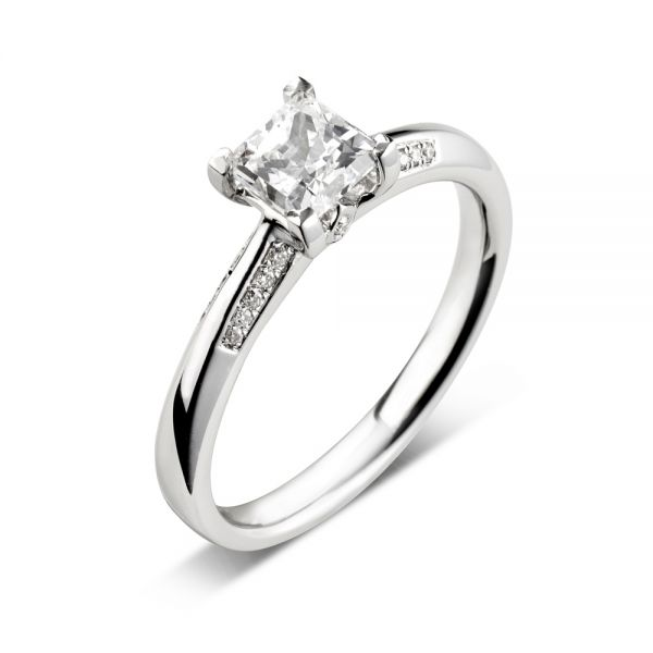 18ct White Gold Tapered Engagement Ring with Princess Cut Diamond